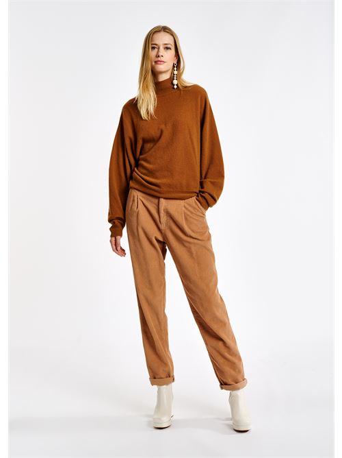 pantaloni ESSENTIEL | ASHTONISHING PANTSDR29