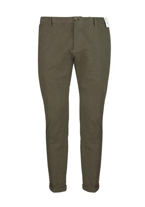 Pantalone slim fit in velluto armaturato AT.P.CO. | Pantaloni | SASA45ITC309880