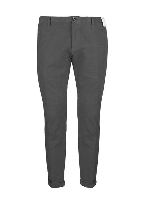 Pantalone slim fit in velluto armaturato AT.P.CO. | Pantaloni | SASA45ITC309950