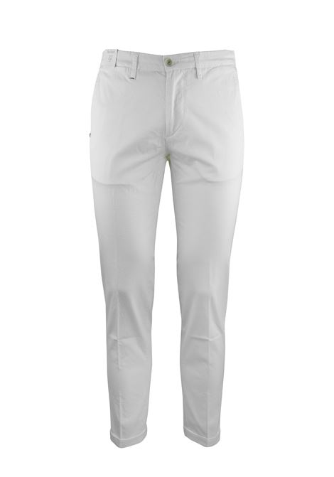 FLAT FRONT CHINOS Re-HasH | Trousers | P2492389MUCHA000