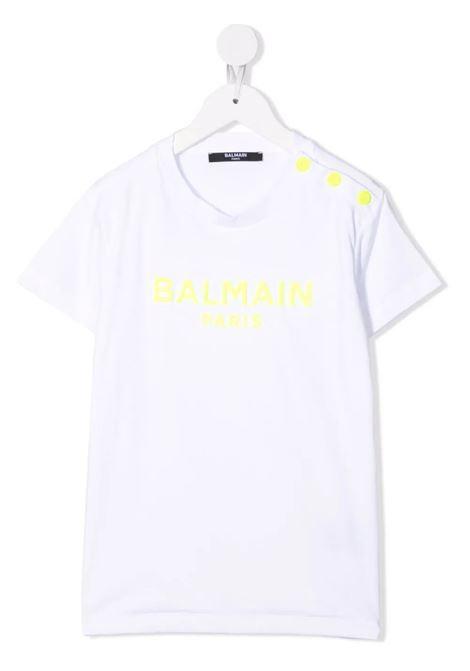 Kids White T-Shirt With Fluo Yellow Logo and Buttons BALMAIN KIDS | t-shirts | 6P8051-J0006100
