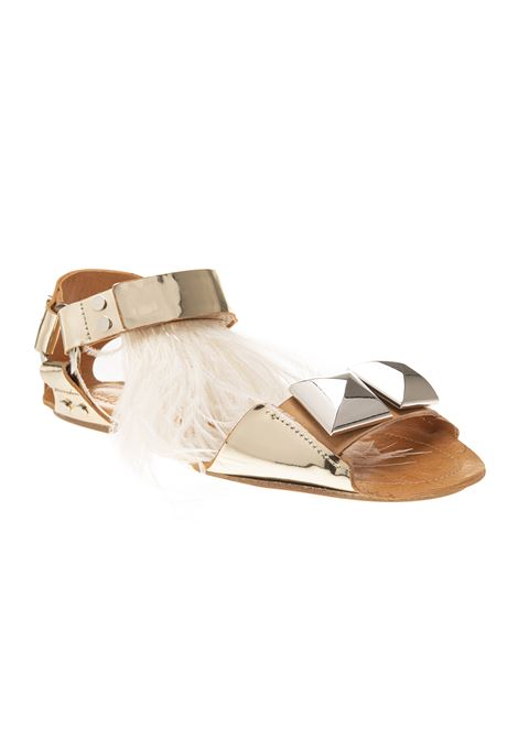 dcf594d2b3f5 LOW SANDAL IN GOLD METALLIC LEATHER WITH WHITE FEATHERS GIAMBATTISTA VALLI  € 1125.00 € 675.00
