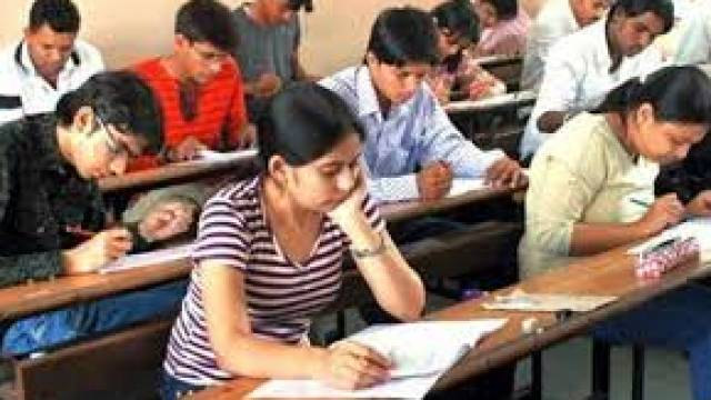 IIT JEE Main Exam  2018  Answer Key  Excepted To Be Released in the Month of April, Check Details He