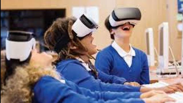 How AR & VR Can Enhance Learning & Visualisation