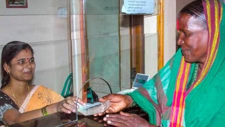 Women Bank Employees