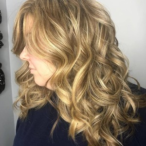 Katherine burnette   side   highlights  haircut    style   october 16th  2018