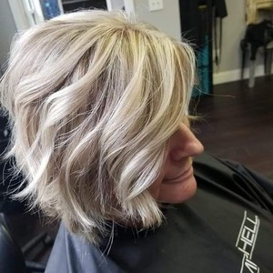 Blonde short hair balayaged