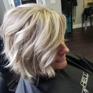 Blonde short hair balayaged