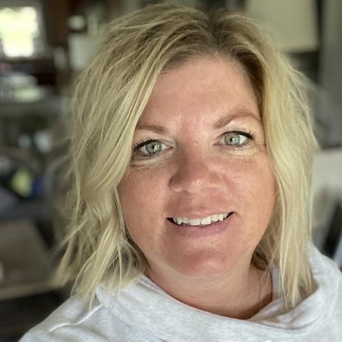 Suzanne Weis