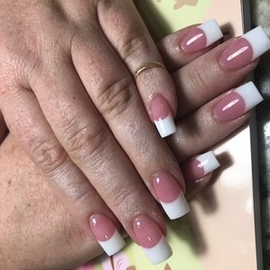 Frenchtipnails