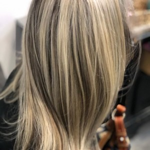 Winter springs highlights root smudge hair