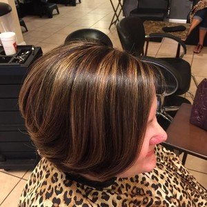 Winter garden brunette bob