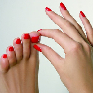 Nails toes
