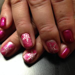 Nails pink snowflake