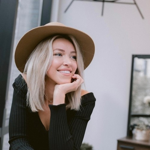 Lindsey Vecchione