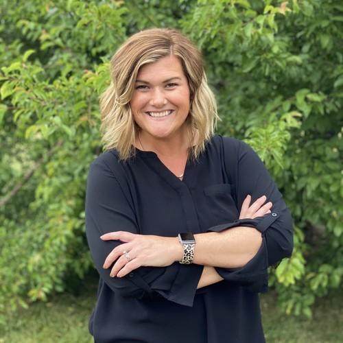 Stefanie Varney