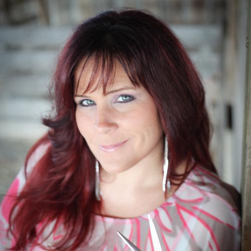 Nikki Kelly