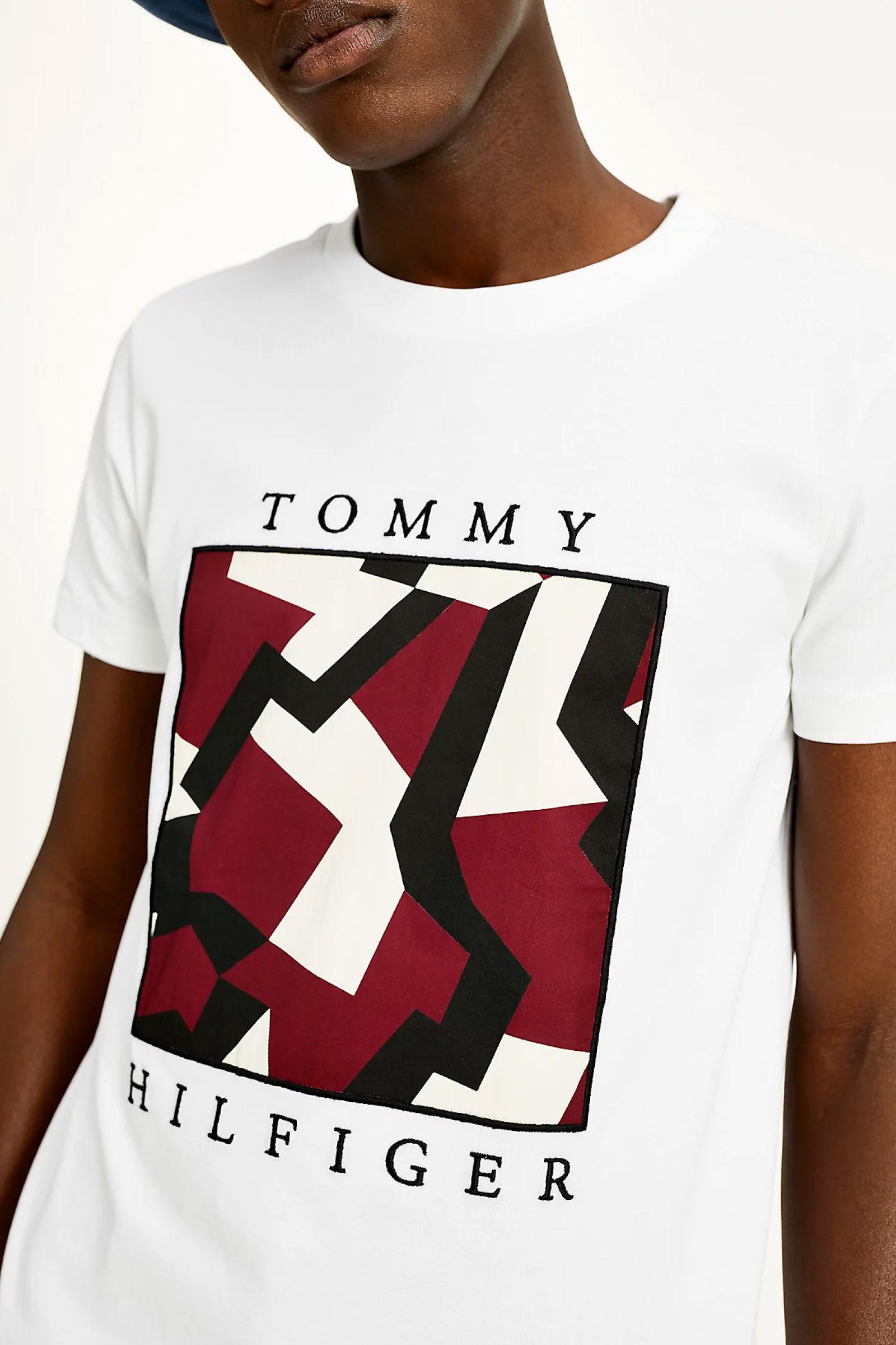 TOMMY HILFIGER T-Shirt Uomo TOMMY HILFIGER | T-Shirt | MW0MW18371YBR