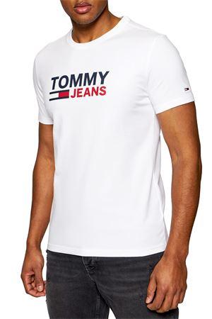 TOMMY JEANS T-Shirt Uomo TOMMY JEANS | T-Shirt | DM0DM10626YBR