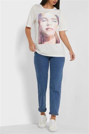 VERO MODA T-SHIRT Donna Modello NOGA VERO MODA | T-Shirt | 10241375Print-GIRL W. BLUE EYESHADOW