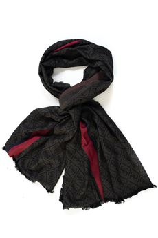 Scarf Guess | 77 | AM7960-VIS03BLA
