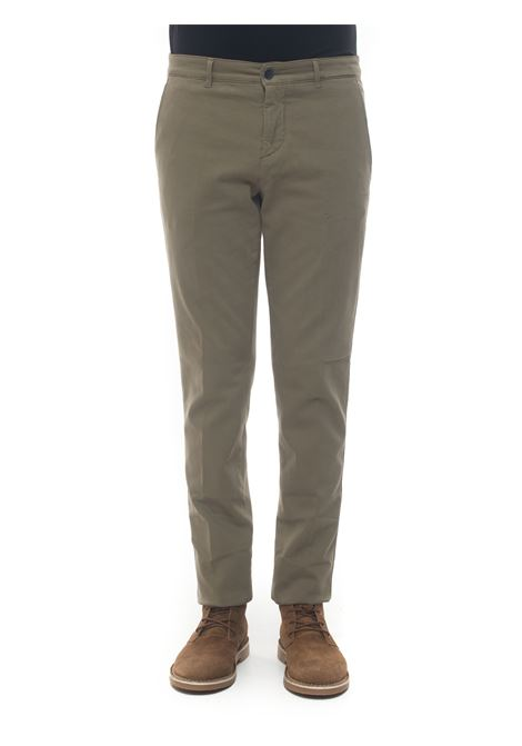 Chino Brooksfield | 9 | 205A-C1897260