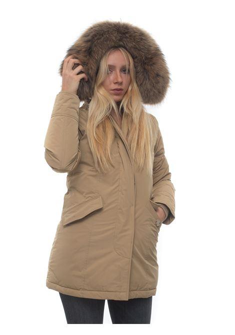 Giaccone con cappuccio Arctic Parka Luxury Pelliccia Racoon Woolrich | 20000057 | WWOU0296-UT05738926