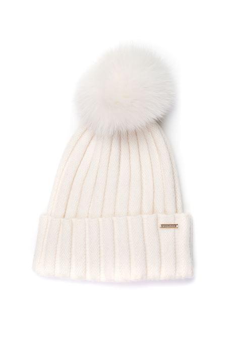 Cappello a coste con pelliccia WOOL CASHMERE FOX POMPOM HAT Woolrich   5032318   CFWWAC0106-FRUF0600840