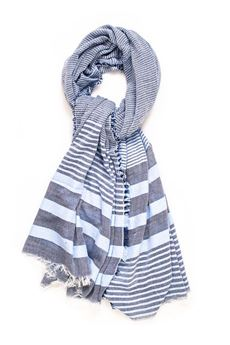 Scarf horizontal striped print Guess | 77 | AM6677-VIS03BLU
