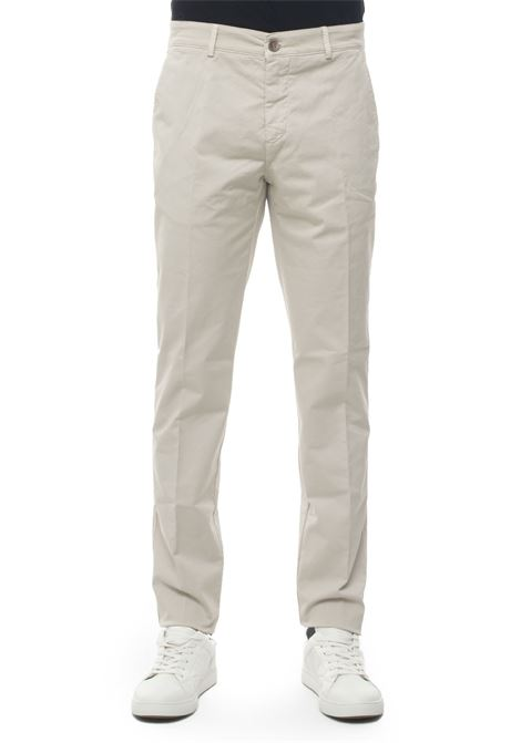 Chino Brooksfield | 9 | 205A-C106871
