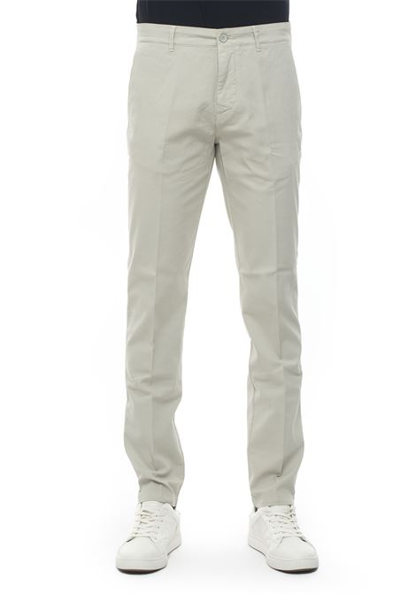 Chino Brooksfield | 9 | 205A-C1150324