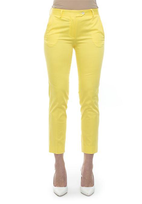 Pantalone modello chino Kiton | 9 | D38103K09I7418000GIALLO