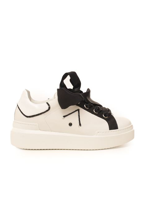 Sneakers in pelle con lacci Sarah Ed Parrish | 5032317 | CKLD-BL02BIANCO