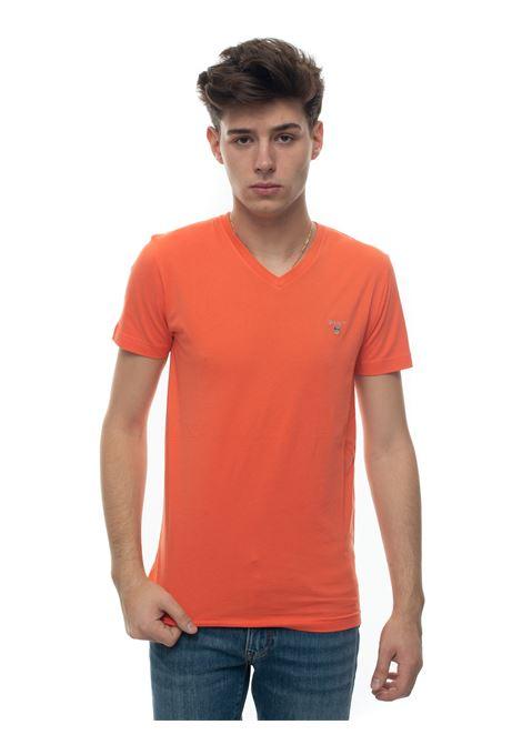 V-necked t-shirt Gant | 8 | 234104859