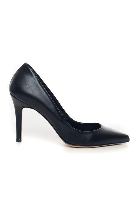 Leather court shoe Vincenzo Piccolo | 5032316 | P02-NAPPANERO