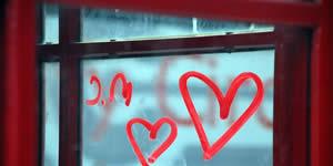 Mosaico de 10 amigos hechos con la palabra amor! Crea el Tuyo!
