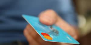 Para quem você mandaria um cartão de credito com limite de amor infinito?