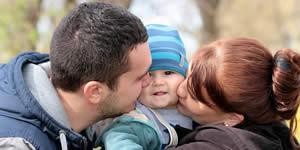 Mosaico com frase Eu Amo Minha Família, em inglês para 9 fotos