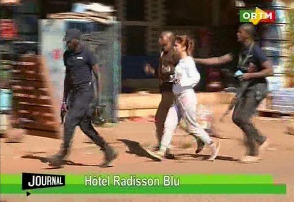 Атака террористов на отель: в заложниках сотни человек обновлено