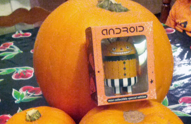 Android Halloween Pumpkin Figurine