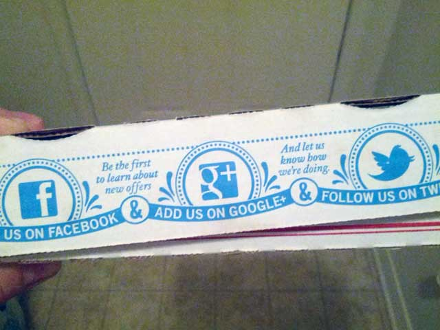 Domino's Pizza Box Has Social Buttons