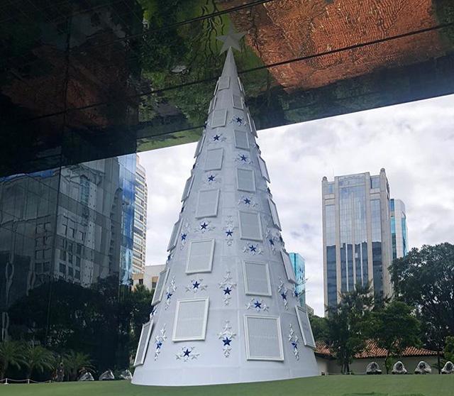 Metal Looking Christmas Tree At Google Brazil Office