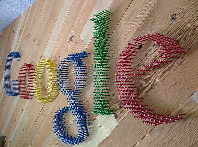 Google Golf Tees Logo
