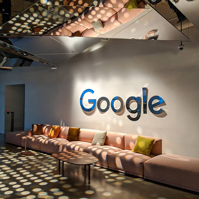 Google Hole Light Room