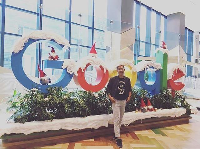Google Singapore Lobby Holiday Winter Theme