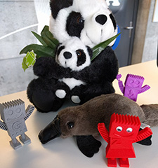 Gary Illyes Gifts Googler Zineb With Platypus To Join Panda & Bots