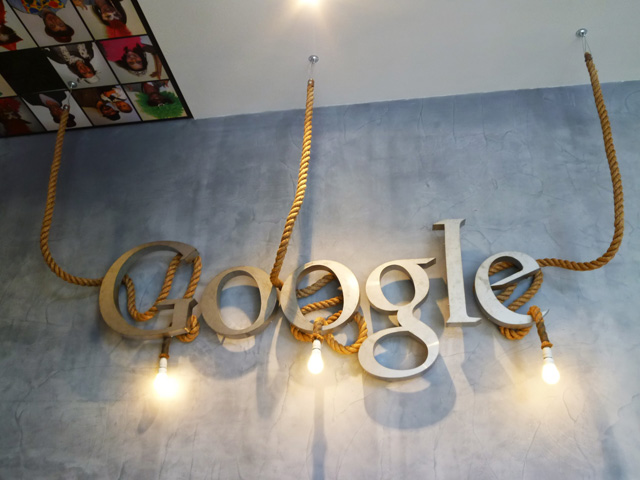Google Rope Sign