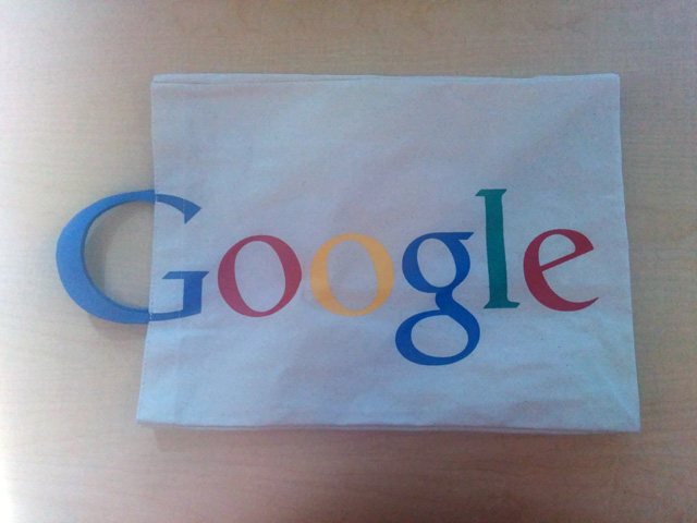 G Handle Google Tote Bag