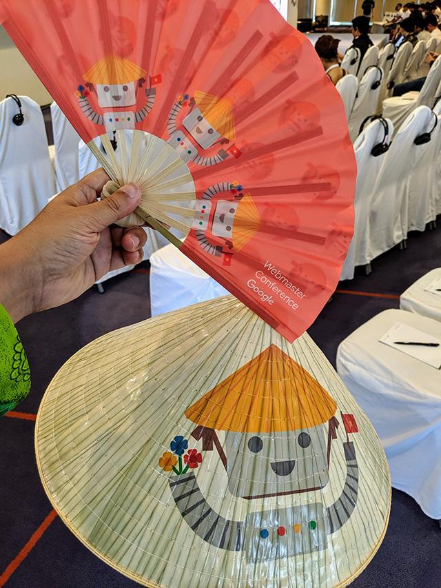 Google Vietnamese Fans & Hats