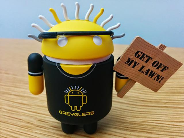 Greyglers Android Figurine